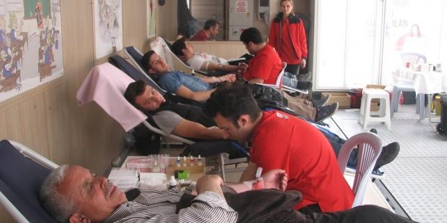 Kelesliler'den kan bağışına yoğun ilgi