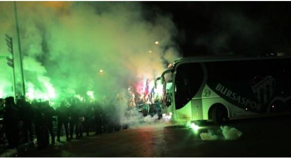 Bursaspor'a Mudanya'da coşkulu karşılama