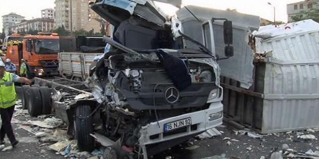 TEM Otoyolu'nda zincirleme kaza: Ölü ve yaralılar var