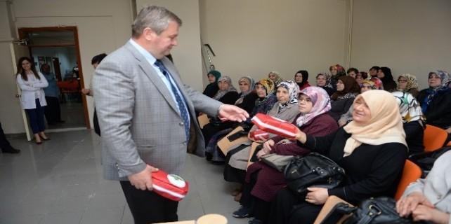 Osmangazi'den kadınlara ilk yardım çantası