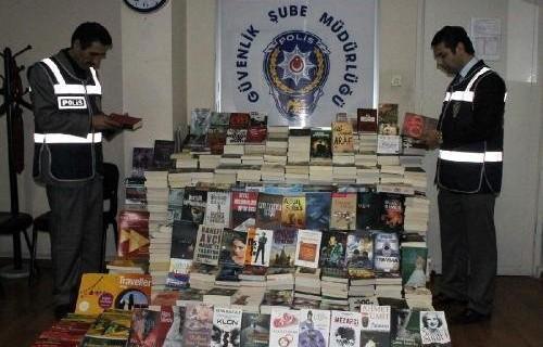 Bursa'da korsan kitap operasyonu