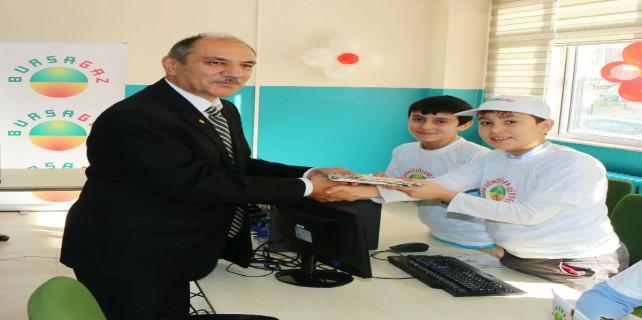 Bursagaz köy okulları için kitap topluyor