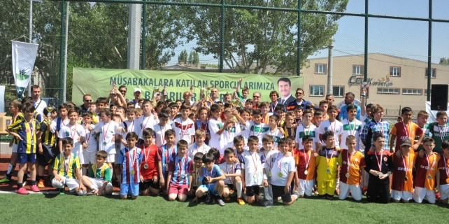 Minikler futbol turnuvası'nda Bursaspor şampiyon