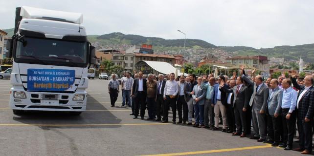 AK Parti Bursa'dan Hakkari'ye yardım