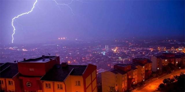 Şiddetli yağış Bursa'yı felç etti !