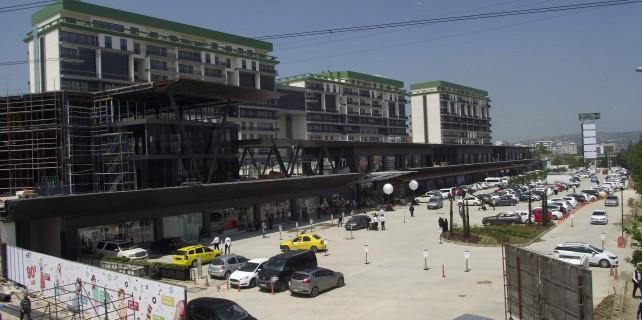 Bursa'nın ilk üstü açık AVM'si Nilüfer'de açıldı