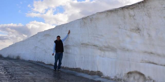 Kar kalınlığı 5 metreyi buluyor