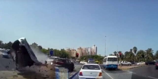 Freni patlayan otomobil dehşet saçtı