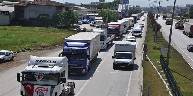 Kamyonculardan trafik sigortası eylemi