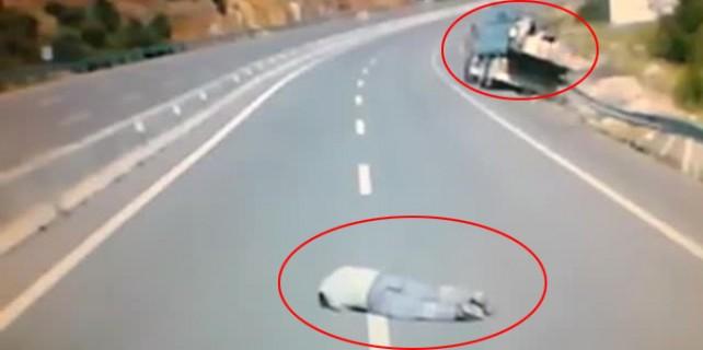 Freni patlayan kamyondan böyle atladı