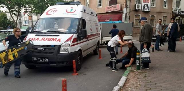 Bursa'da can pazarı...İki araç arasında kaldı