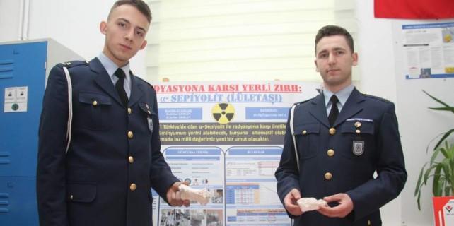 Bursalı öğrenciler radyasyona karşı zırh üretti