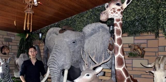 Burası hayvanat bahçesi değil bir ev...