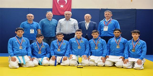 Bursa'lı karateciler Avrupa ikincisi