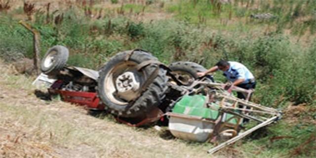 Karacabey'de traktör devrildi