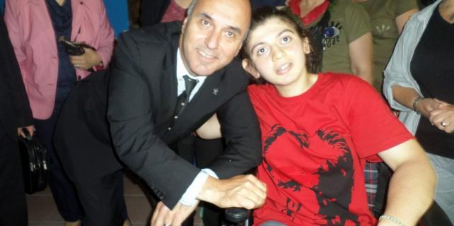 Dr.Murat Ünal engellileri yalnız bırakmadı