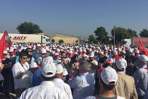 Bursa'daki çikolata devinde grev başladı...