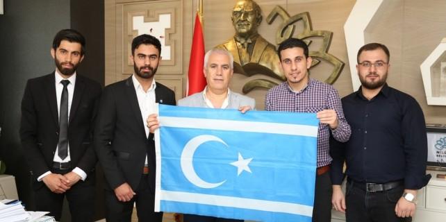 Irak Türkleri'nden Bozbey'e ziyaret