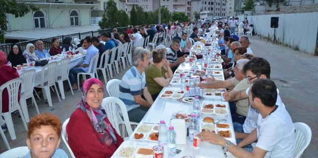 Manastır'da iftar keyfi