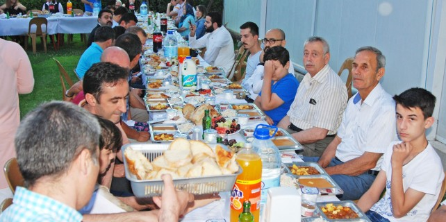 Kardelen ailesi iftar sofrasında buluştu