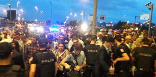 Atatürk Havalimanı'nda hayat normale dönmeye başladı