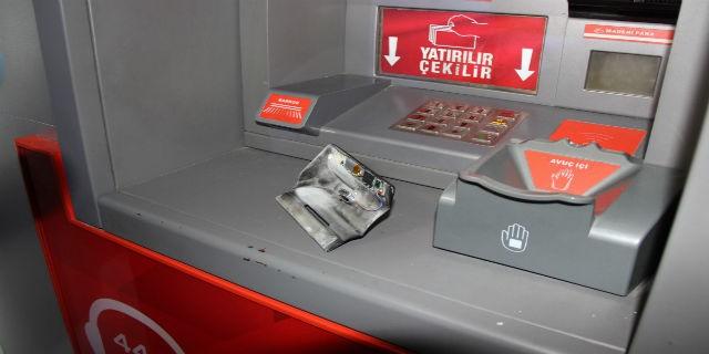 Dikkat, ATM'DE kartınız kopyalanabilir!
