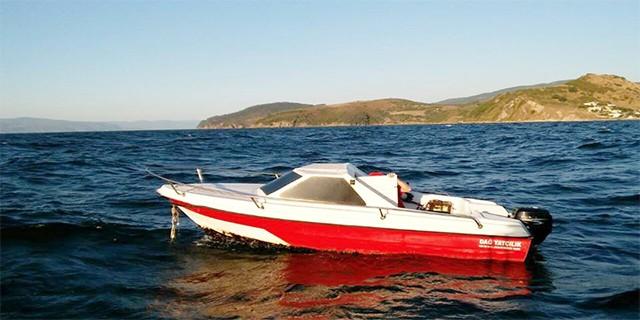 Başı boş tekne sahil güvenliği alarma geçirdi