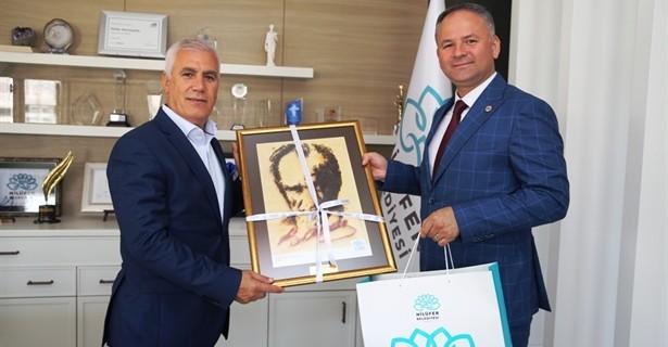 Bozbey Nilüfer'in projelerini Türker'e anlattı