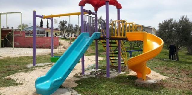 Karacabey'de kırsal mahallelere oyun parkı