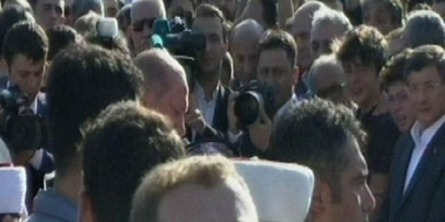 Erdoğan cenazede hüngür hüngür ağladı