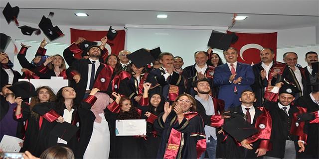 İnegöl İşletme Fakültesi ilk mezunlarını verdi