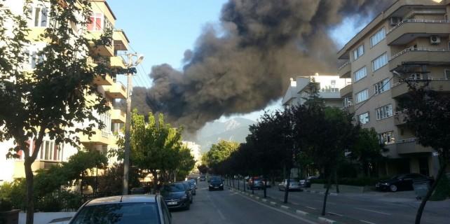 Son dakika... Bursa şehir merkezinde yangın