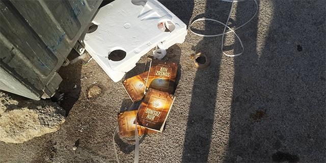 FETÖ'nün kitapları çöpte