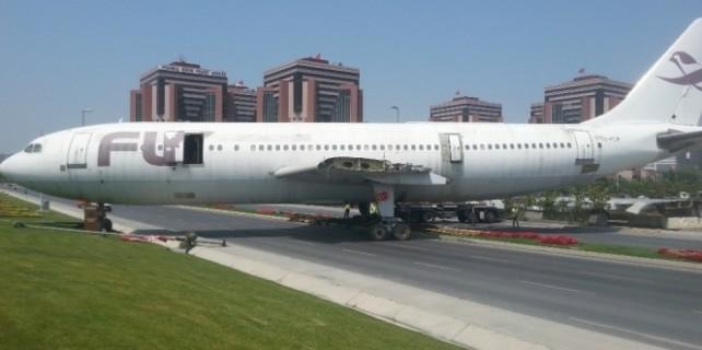 Burası İstanbul, uçak trafiğe çıktı...