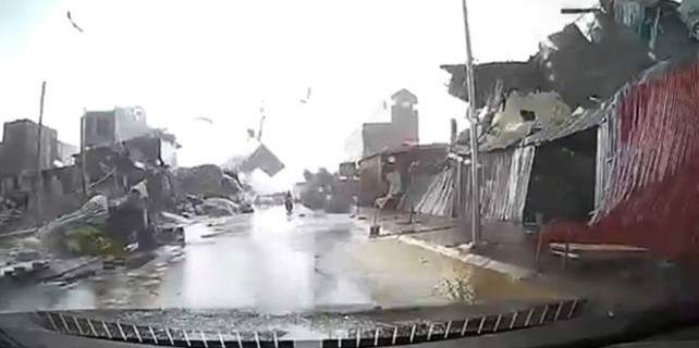 Fırtına ortalığı savaş alanına çevirdi
