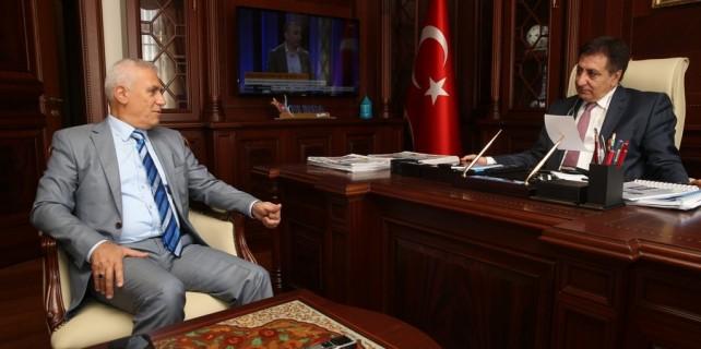 Başkan Bozbey, Vali Küçük'e Misi ve Gölyazı projelerini anlattı