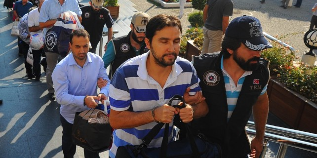 Bursa'daki FETÖ operasyonunda 22 tutuklama!