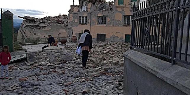 İtalya'da deprem bilançosu ağırlaşıyor