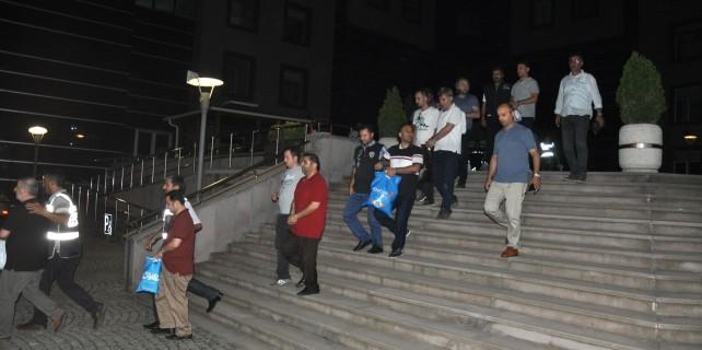 Bursa'da FETÖ operasyonu 8 tutuklama