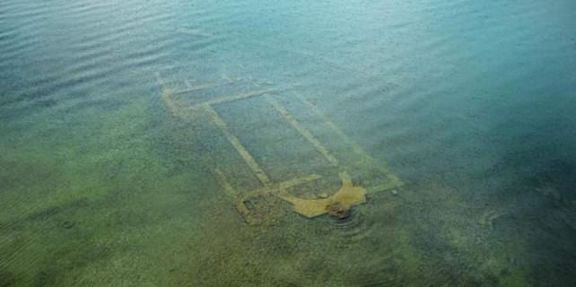 Gölün altındaki bazilikadan altın çıktı
