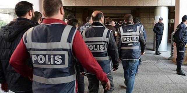 Bursa'daki FETÖ operasyonunda 13 kişi tutuklandı