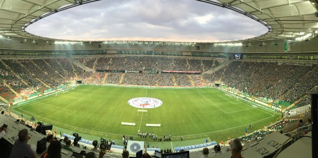 Timsah Arena'da tarihi gece...