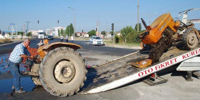 Bursa'da inanılmaz kaza...Araç ikiye bölündü
