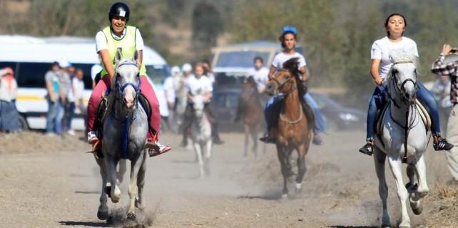 Bursa'da yarışlara kadın damgası