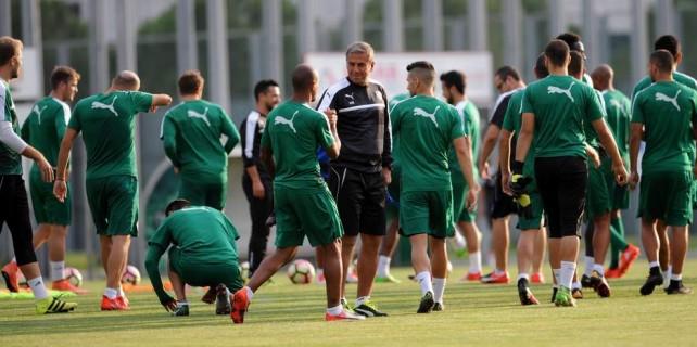 Hamzaoğlu bu sözlerle takımı Fener'e hazırlıyor