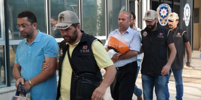 Bursa'da 4 avukat tutuklandı