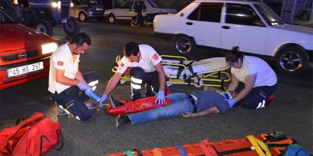 İstiklal Marşı okunurken otomobil çarptı