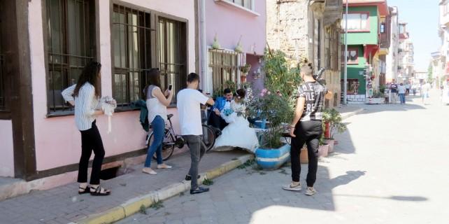 Bursa'da evlenen çiftler oraya akın ediyor