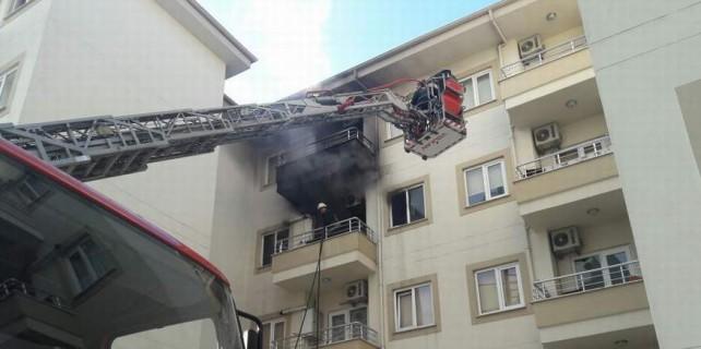 Yangın haberiyle uyandık...Mahsur kalanlar kurtarıldı