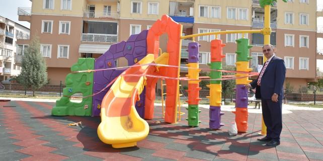 Bursa'da çocuk parkları yenileniyor